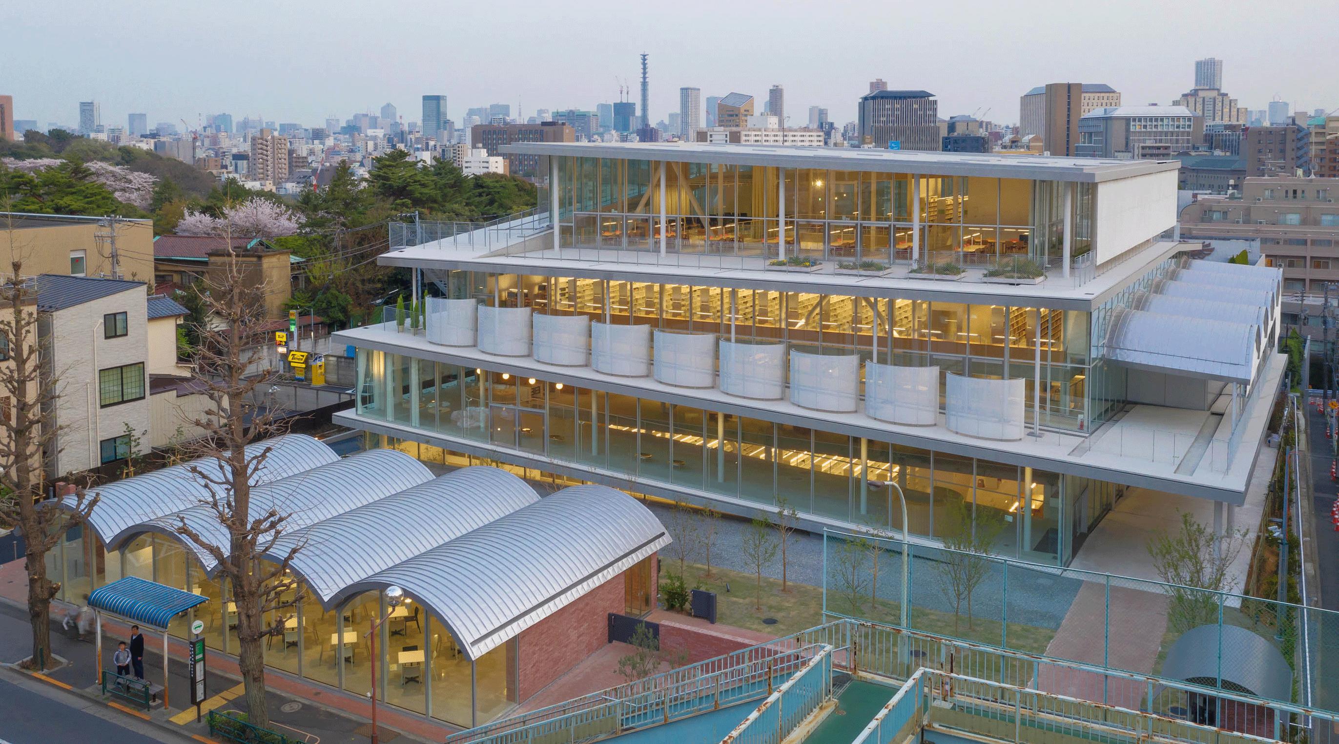 日本 女子 大学 メディア センター